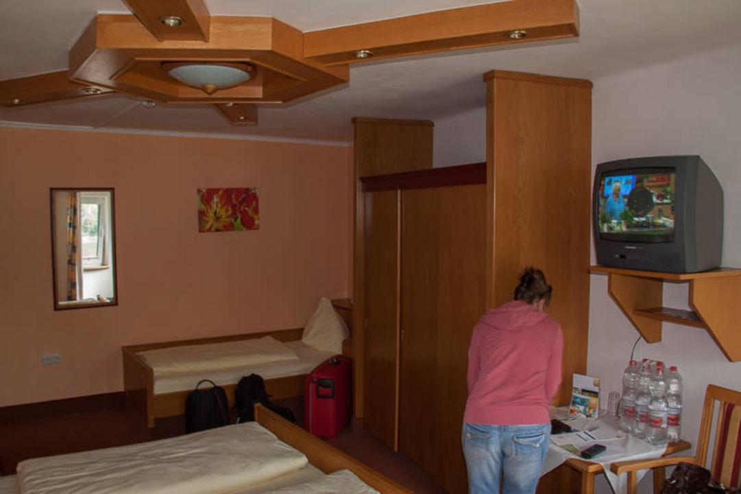 Alte Möbel Durchgelegene Matratzen Hotel Donauschlinge Schlögen