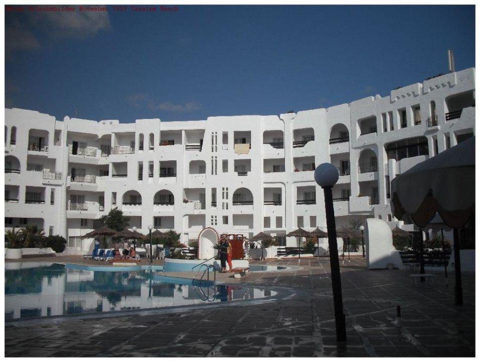 Außenansicht mit Pool Hotel Yasmine Beach Resort