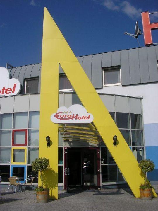 Hotel Aussenansicht Life Hotel Vienna Airport