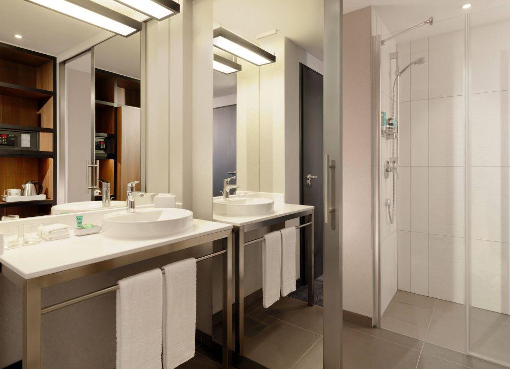 Badezimmer im Aloft Stuttgart\