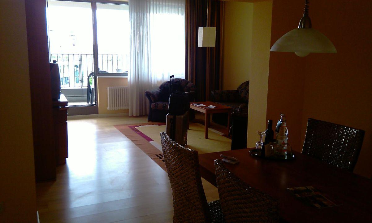 Das Wohnzimmer Mit Balkon Hotel Bel Ahr Geschlossen Berlin