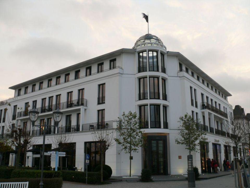 aussenansicht hotel ceres am meer in binz auf r gen holidaycheck mecklenburg vorpommern. Black Bedroom Furniture Sets. Home Design Ideas