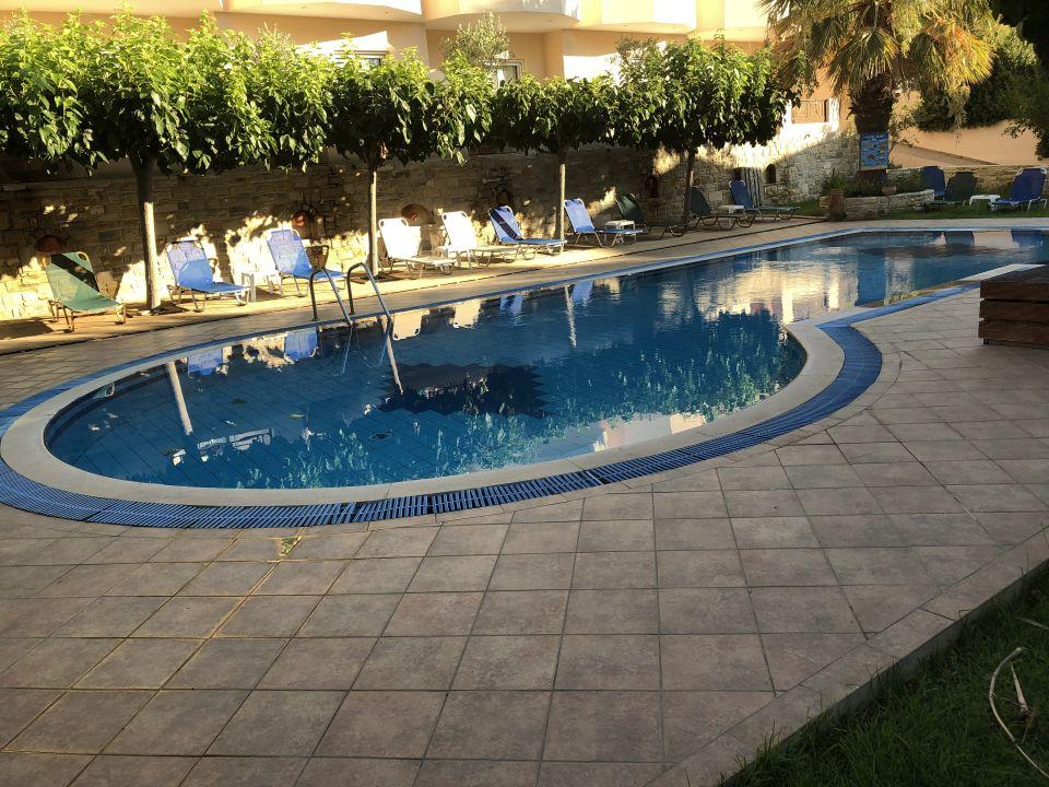 Pool Hotel Calypso