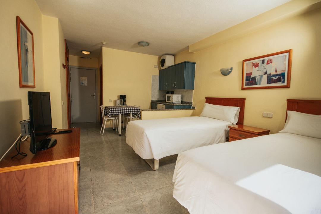 Zimmer Servatur Montebello Apartments