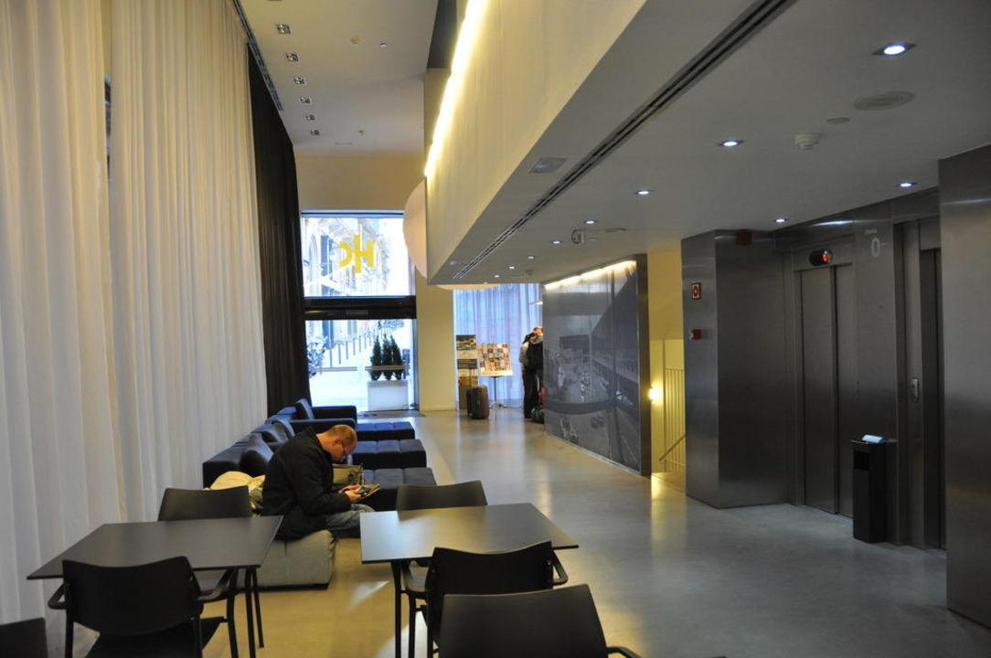 Lobby, Sitzecke, Eingang Hotel Catalonia Avinyo
