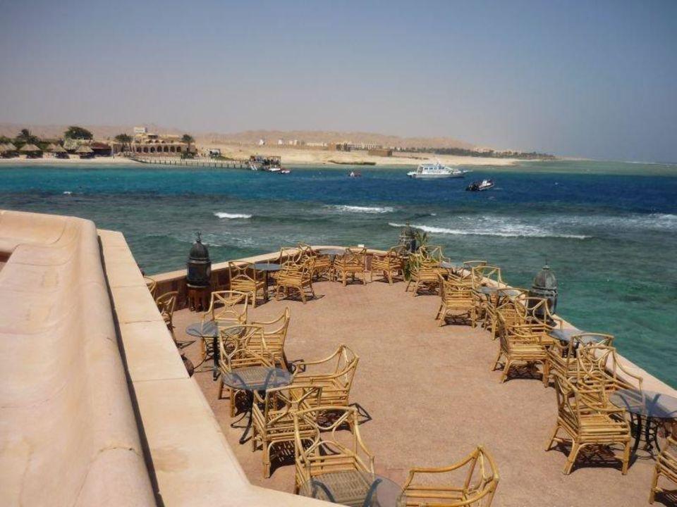Blick über die Hotelbar Mövenpick Resort El Quseir