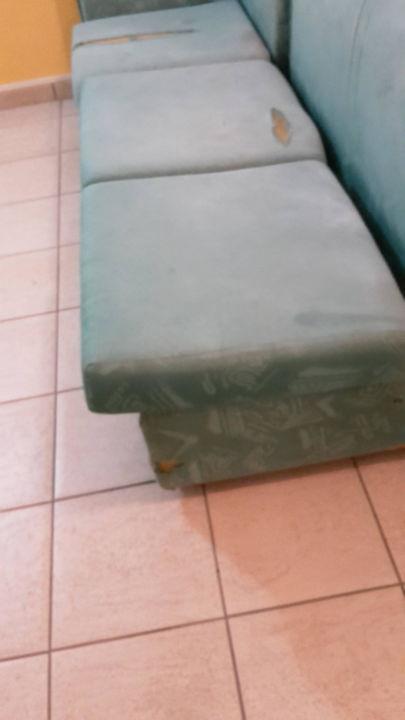 Sofa im Foyer...4 Sterne Villaggio Pineta Petto Bianco