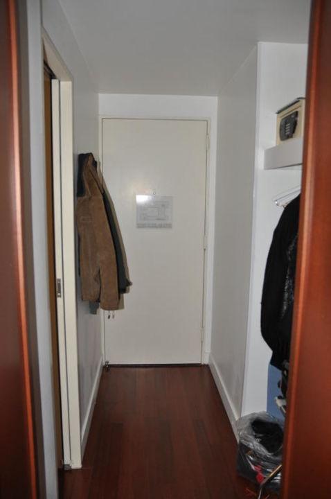 Bild gang mit garderobe zu hotel hudson in new york for Garderobe new york