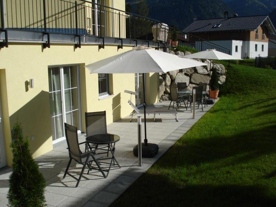 Terrasse und Gartenansicht Ferienwohnungen Sonnengruss