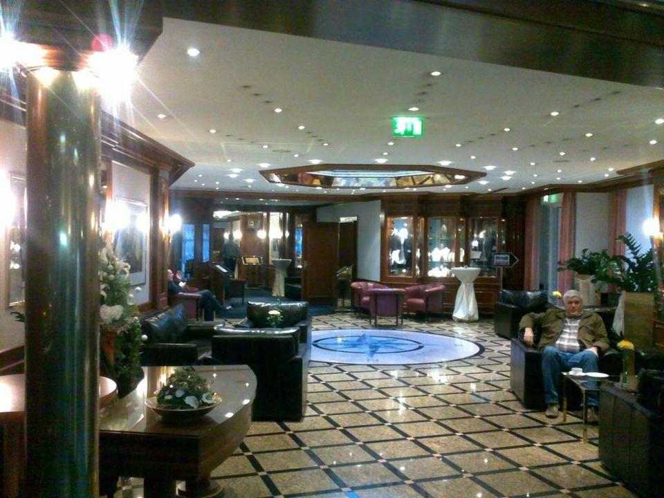 bild lobby eingang zu b der park hotel sieben welten therme spa resort in fulda. Black Bedroom Furniture Sets. Home Design Ideas