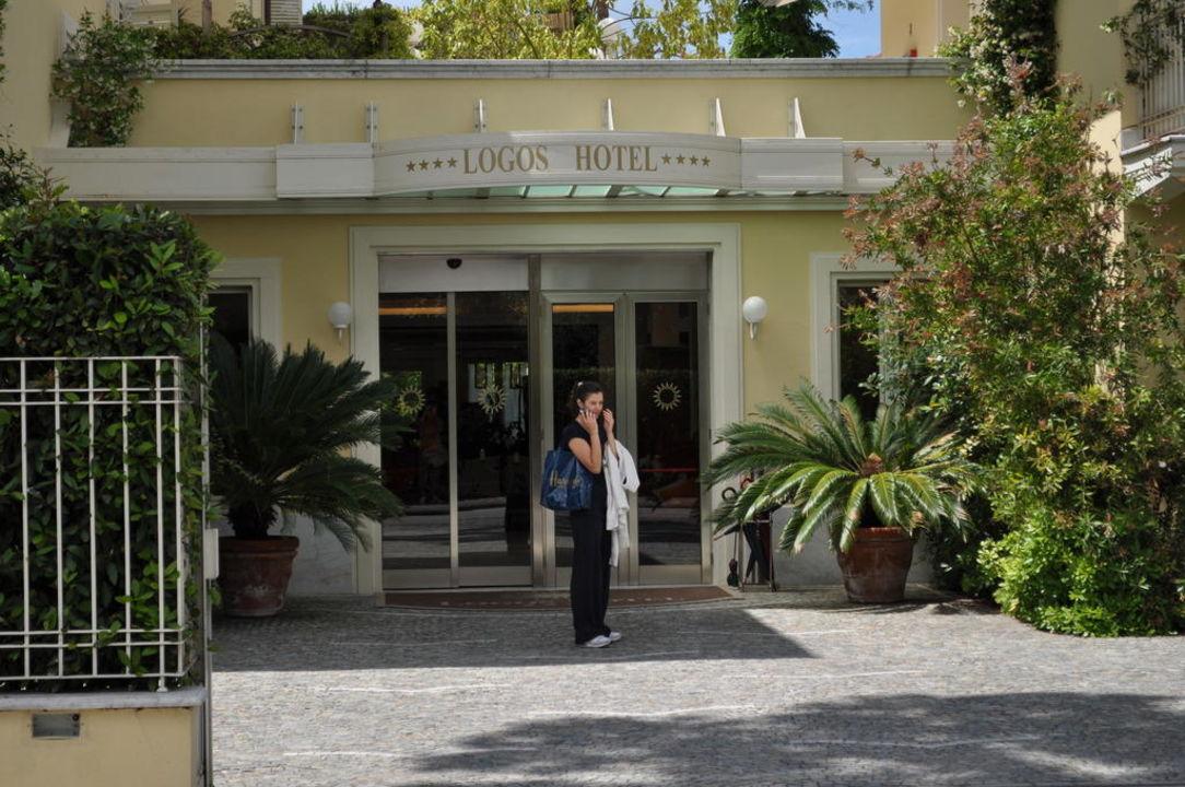 Aussenansicht Hotel Logos
