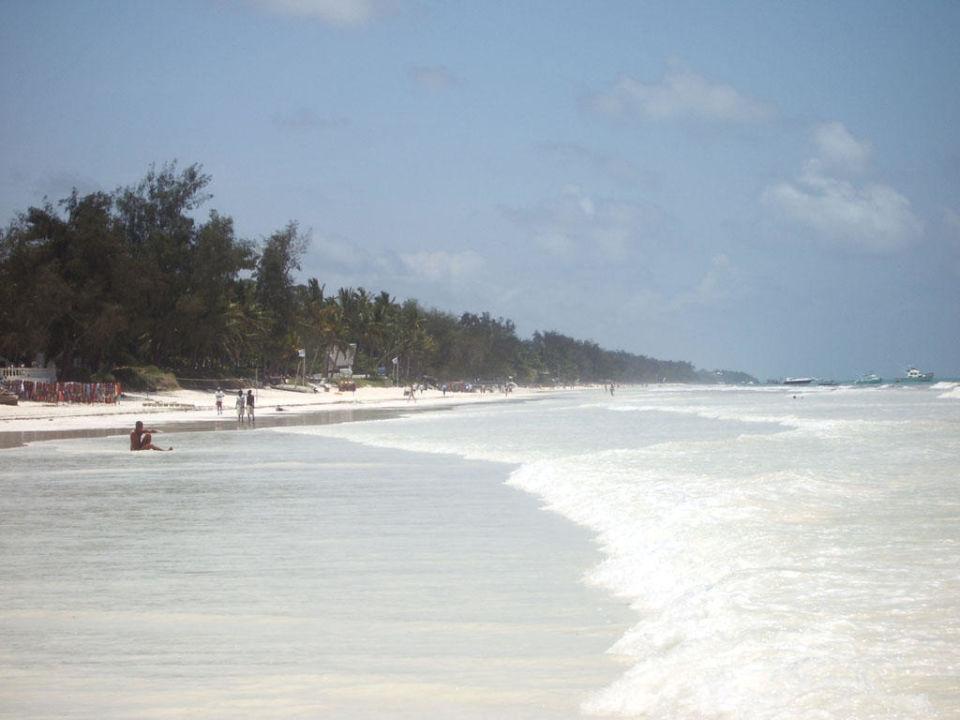Strand bei zunehmender Flut Baobab Beach Resort & Spa