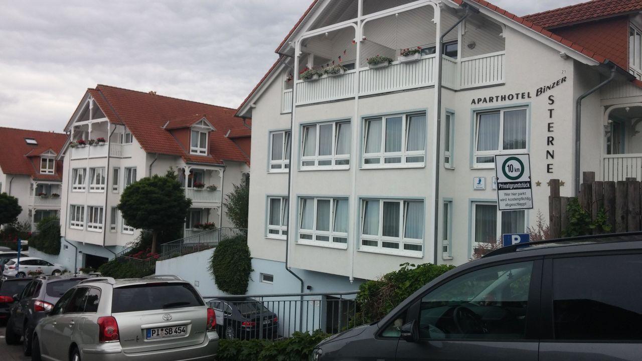 Die 3 Hauser Nebeneinander Hotel Binzer Sterne Binz Auf Rugen