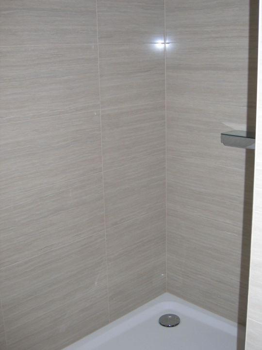 dusche ohne abtrennung zum zimmer hotel hoher freschen rankweil holidaycheck vorarlberg. Black Bedroom Furniture Sets. Home Design Ideas