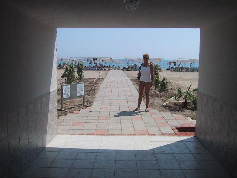 Tunnel zum Strand Hotel Aydinbey Gold Dreams