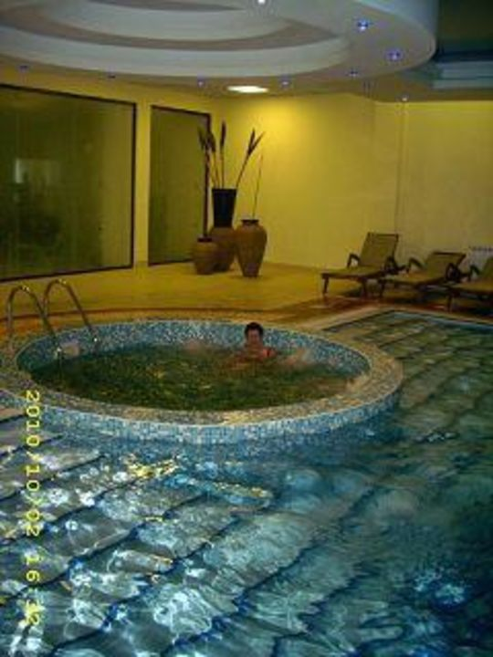 Der Whirlpool Hotel Grifid Bolero