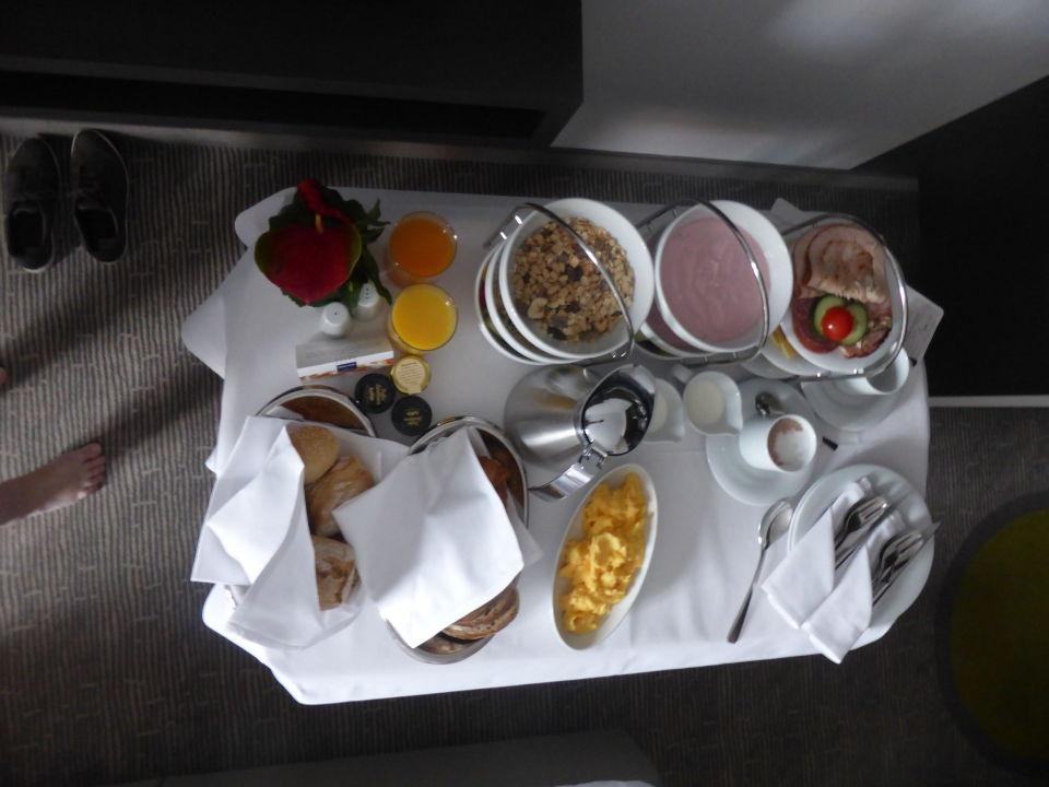 Zimmer Hamburg Eppendorf frühstück im zimmer dorint hotel hamburg eppendorf hamburg