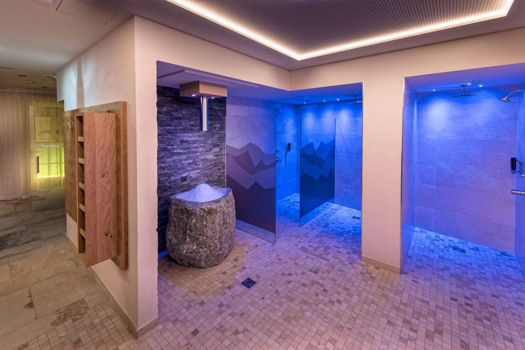 Eisbrunnen und Erlebnisdusche Hotel Jennys Schlössl