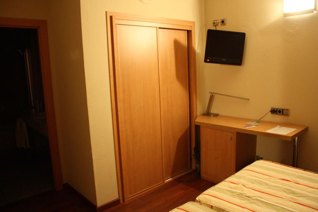 Schreibtisch hotel real in lleida holidaycheck for Schreibtisch 1 60 m