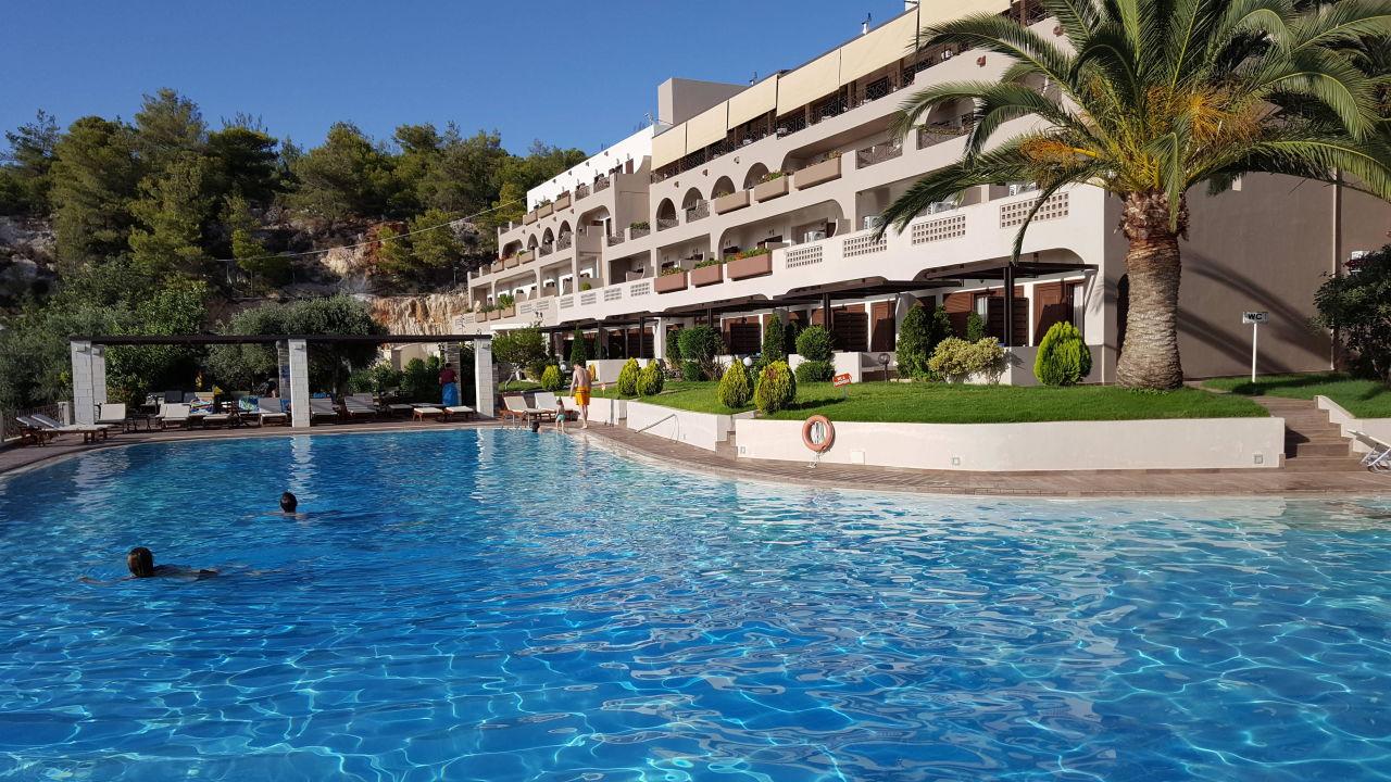 Blick vom Pool auf das Hotel Hotel Royal Sun