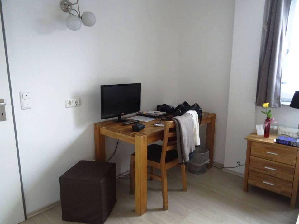 Schreibtisch Flach Tv Stuhl Hocker Nachttisch City Hotel