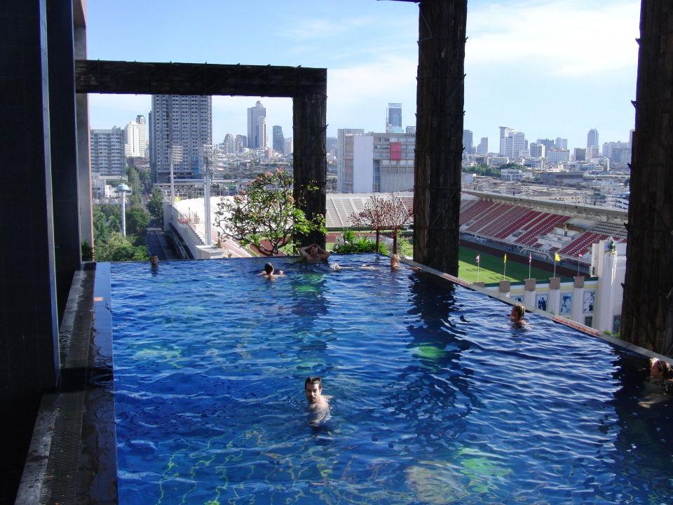 Roof pool siam siam design hotel bangkok in bangkok for Siam design hotel