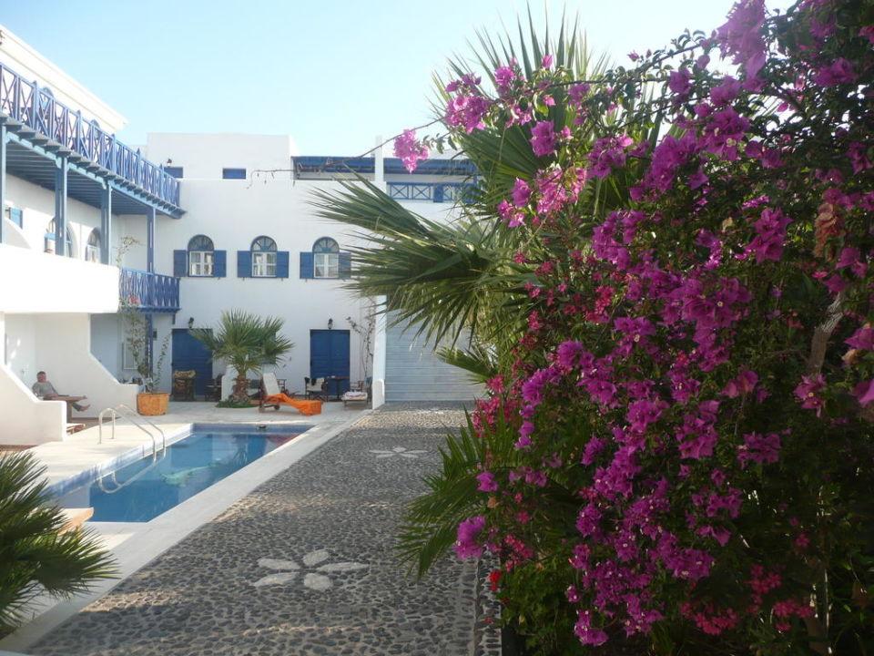 garten mit kleinem pool hotel mediterranean white agia paraskevi holidaycheck santorin. Black Bedroom Furniture Sets. Home Design Ideas