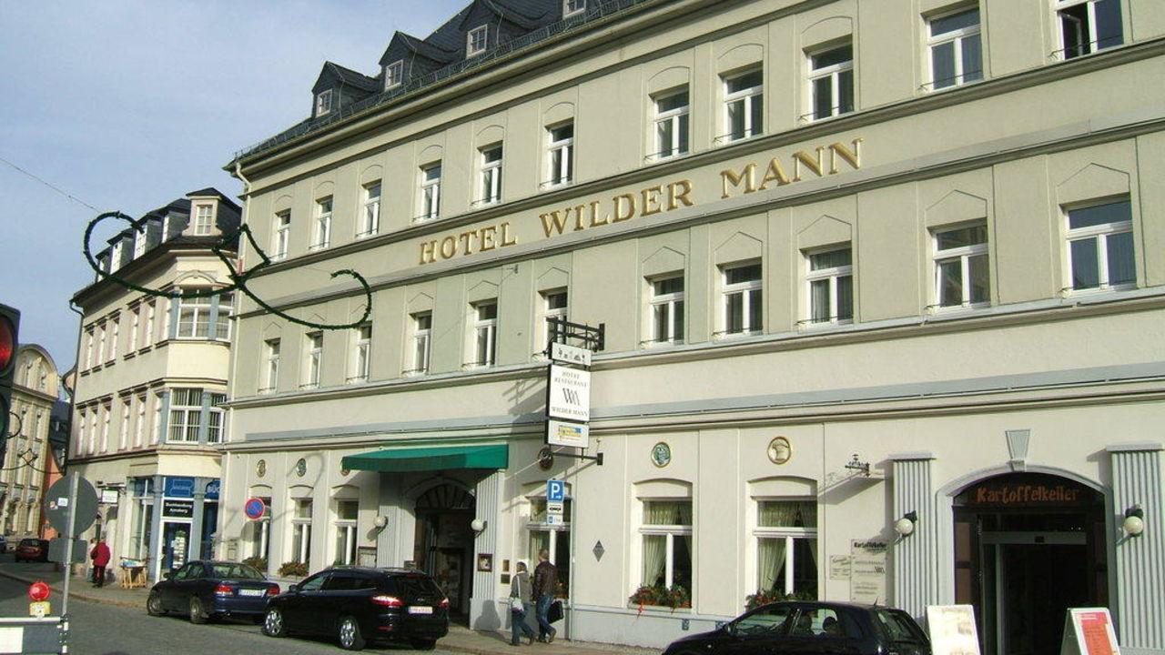 Blick vom Markt auf das Hotel Traditionshotel Wilder Mann