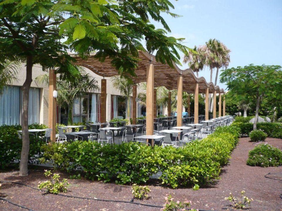 Aussenbereich des Restaurant SBH Hotel Taro Beach