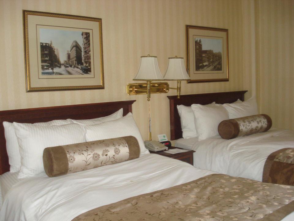 bild ausreichend gro e betten zu hotel whitcomb in san. Black Bedroom Furniture Sets. Home Design Ideas