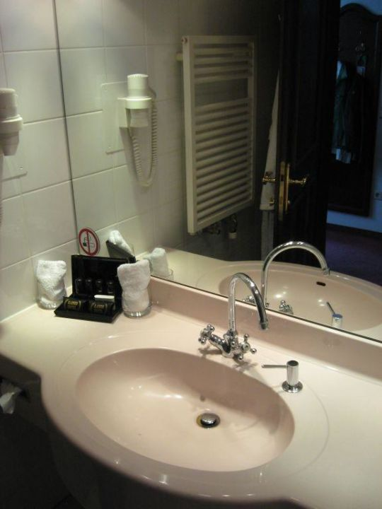 Badezimmer Mit Whirlpool Hotel Kaiser