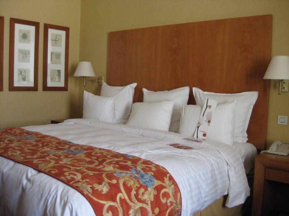 Blick auf das Bett Grand Hyatt Athens
