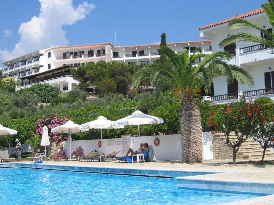 Pool mit Garten und Hotel Hotel Glicorisa Beach