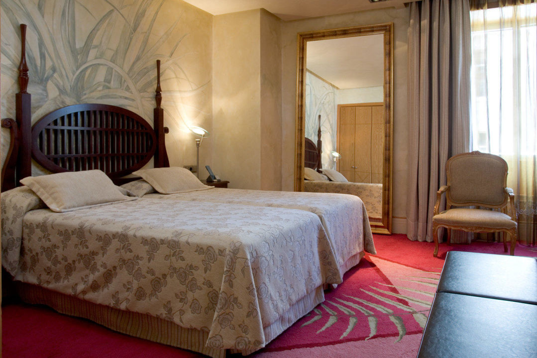 Standard Room with views Hotel NH Collection Madrid Paseo del Prado