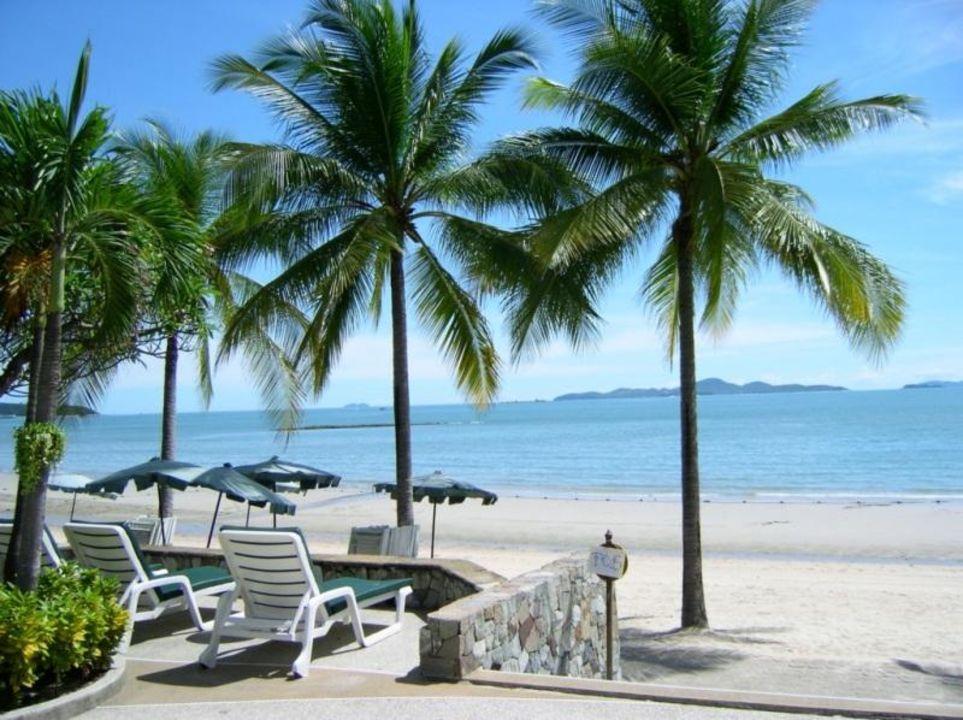 Pattaya - Garden Beach Resort - Blick auf Strand Pullman Pattaya Hotel G