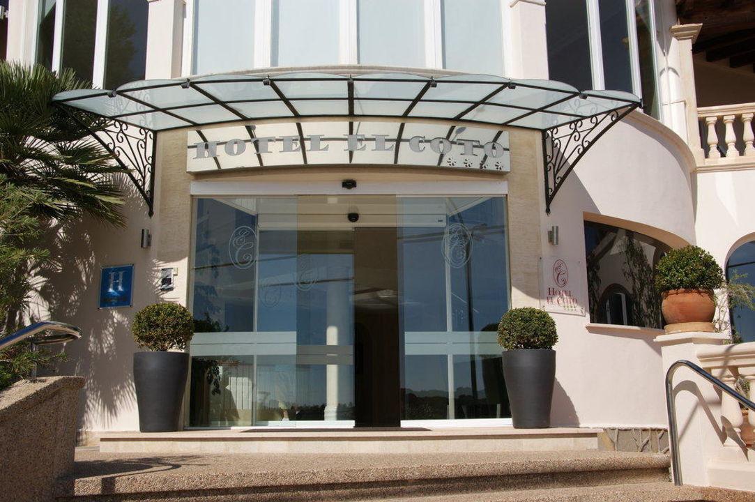 Hoteleingang hotel el coto in colonia sant jordi - Hotel el coto mallorca ...