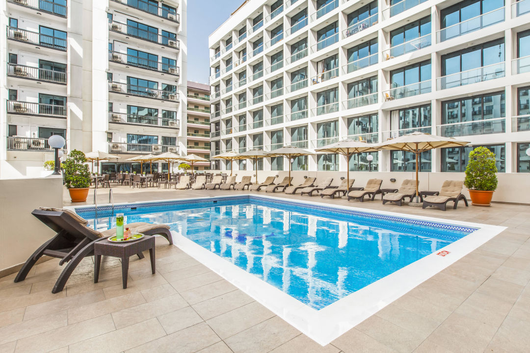 """Pool"" Golden Sands Hotel Apartments (Dubai ..."