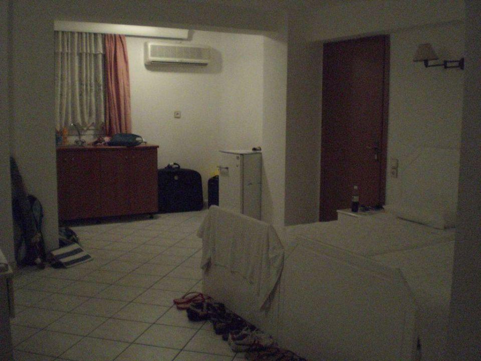 Zimmer (bei Nacht) Hotel Filakas