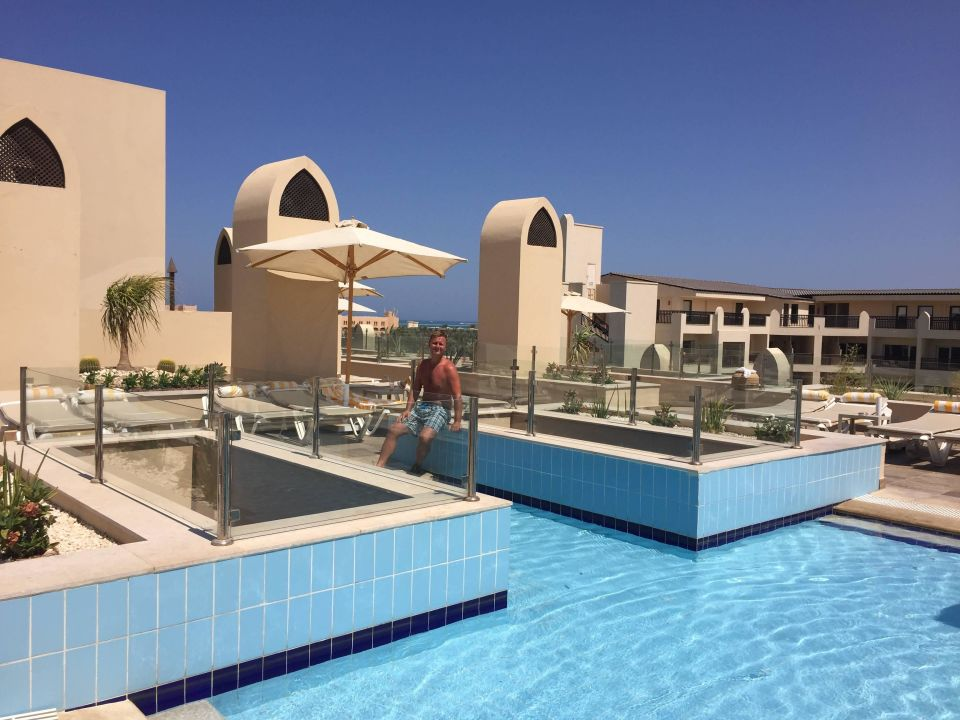 Pool Dachterrasse Steigenberger Aqua Magic Hurghada