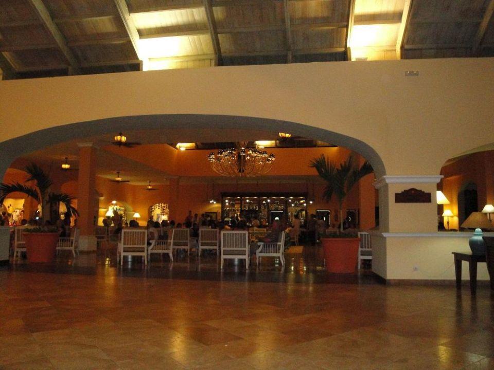Riesige Poolanlage - natürlich mit Poolbar IBEROSTAR Hotel Hacienda Dominicus