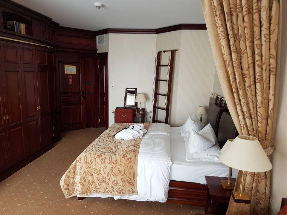 schlafzimmer hotel yachthafenresidenz hohe d ne warnem nde holidaycheck mecklenburg. Black Bedroom Furniture Sets. Home Design Ideas