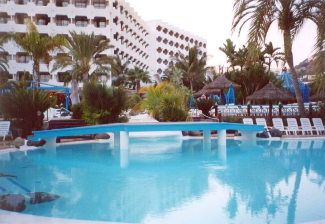 IFA BEACH HOTEL Poolarea mit Brücke Corallium Beach by Lopesan Hotels - Adults only