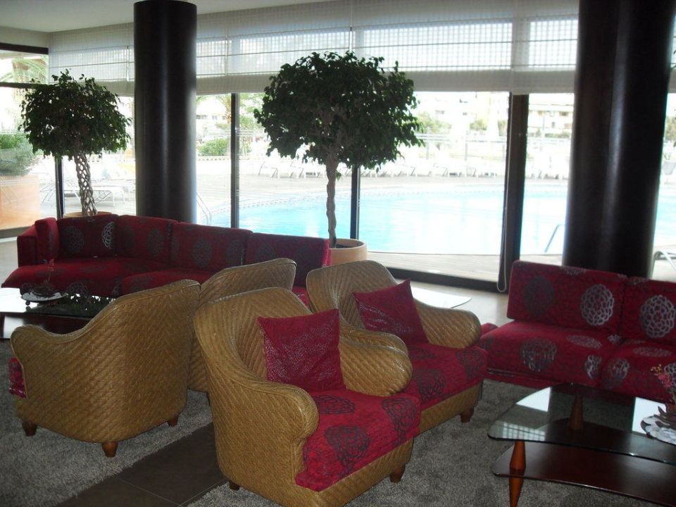 bild zwei einzelbetten als doppelbett zu hotel marina luz in can pastilla. Black Bedroom Furniture Sets. Home Design Ideas