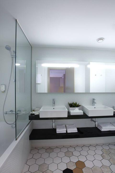 Appartment - Bathroom with bathtub Citadines Ramblas Barcelona