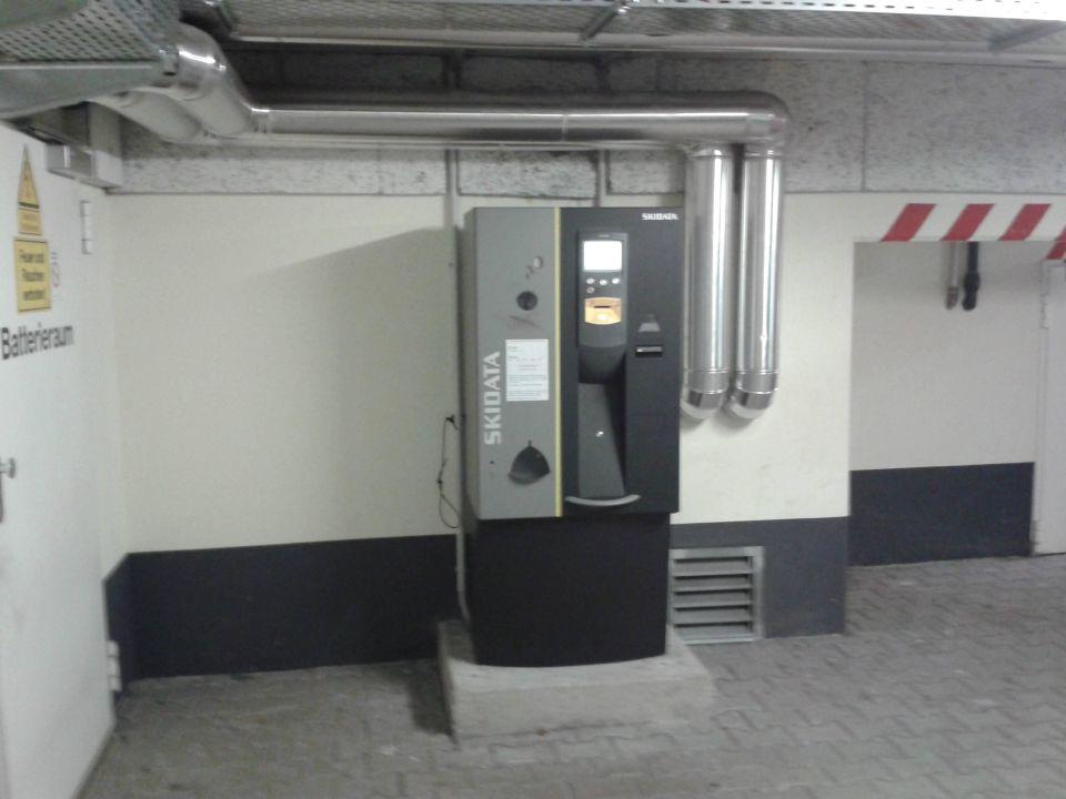 Kassenautomat der tiefgarage motel one garching motel for Motel one wellness