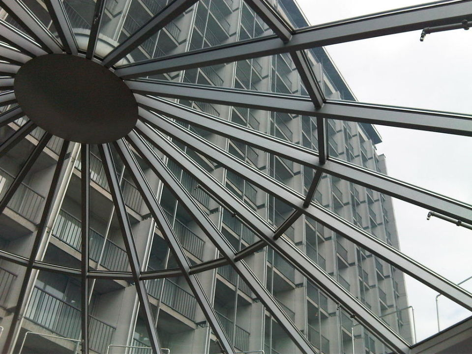 Fassade von Lobby aus Hilton Munich Park