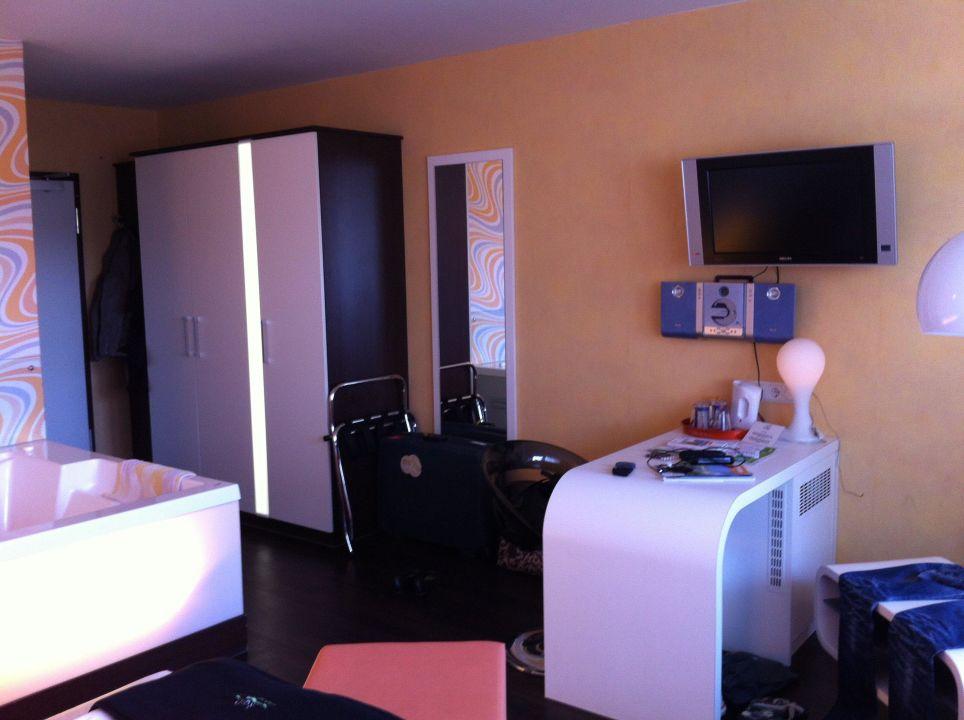 Zimmer hotel garni retro design in langeoog for Retro design hotel