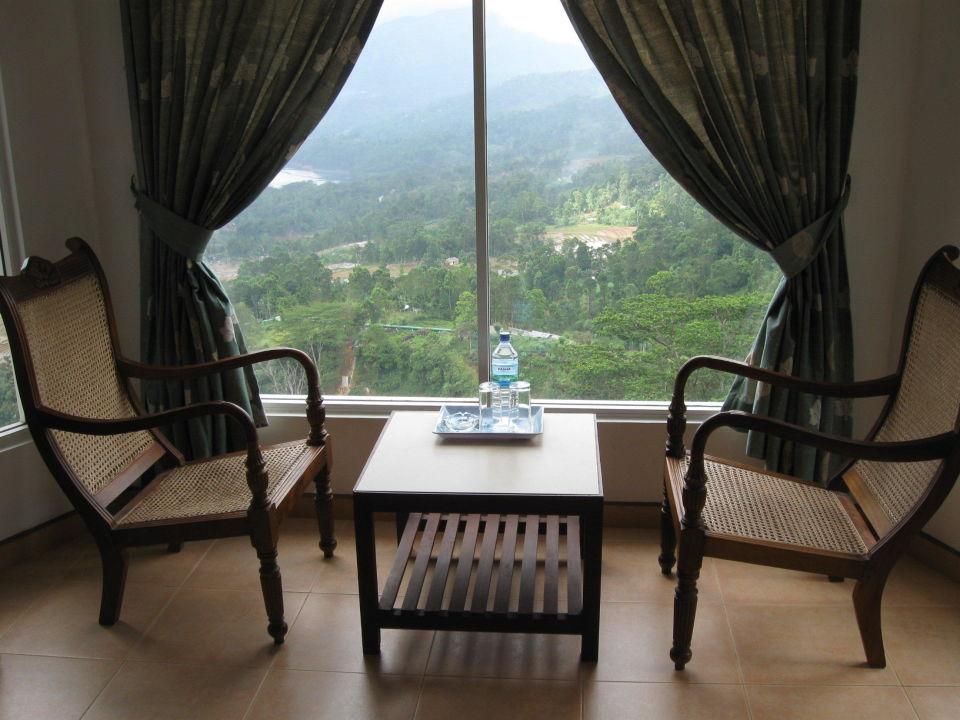 zimmer mit aussicht thuruliya lodge nuwara eliya holidaycheck sri lanka landesinnere. Black Bedroom Furniture Sets. Home Design Ideas