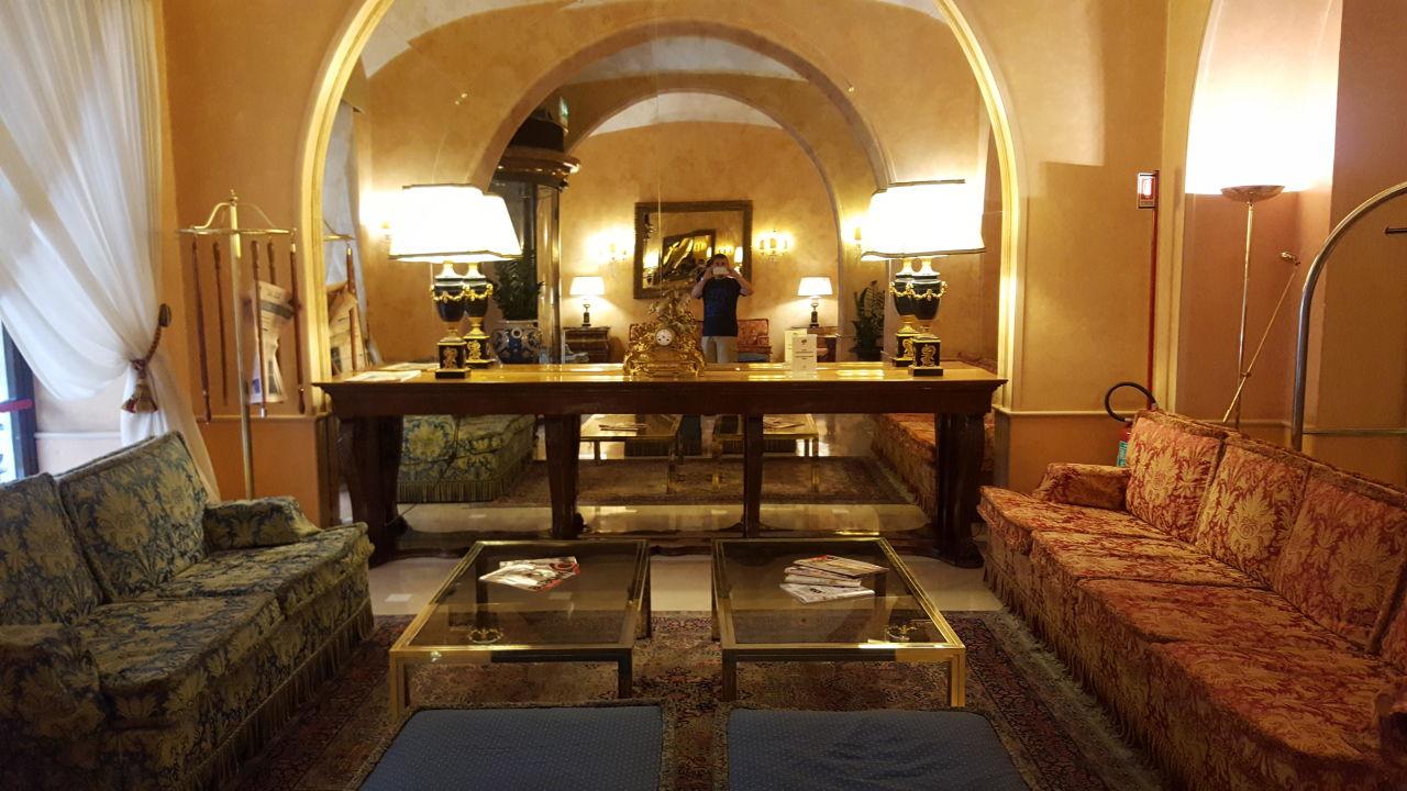 Lobby Marcella Royal Hotel
