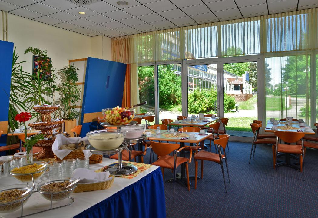 fr hst cksbuffet comfort hotel lichtenberg berlin lichtenberg holidaycheck berlin. Black Bedroom Furniture Sets. Home Design Ideas